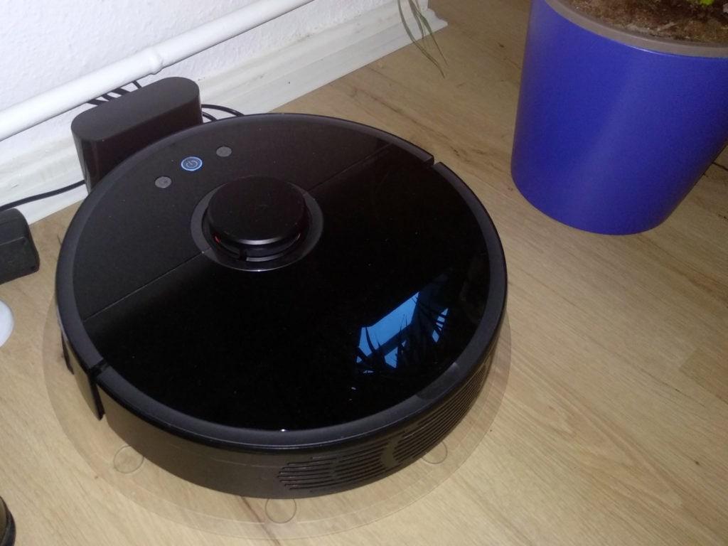 my favorite smart home gear : my roborock smart robot cleaner