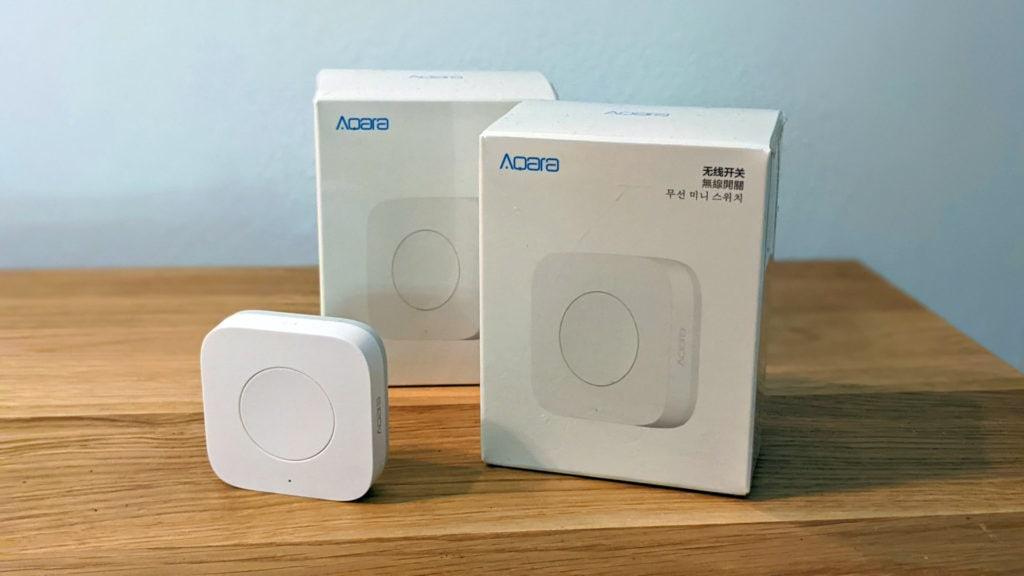 the aqara mini switch & the packaging